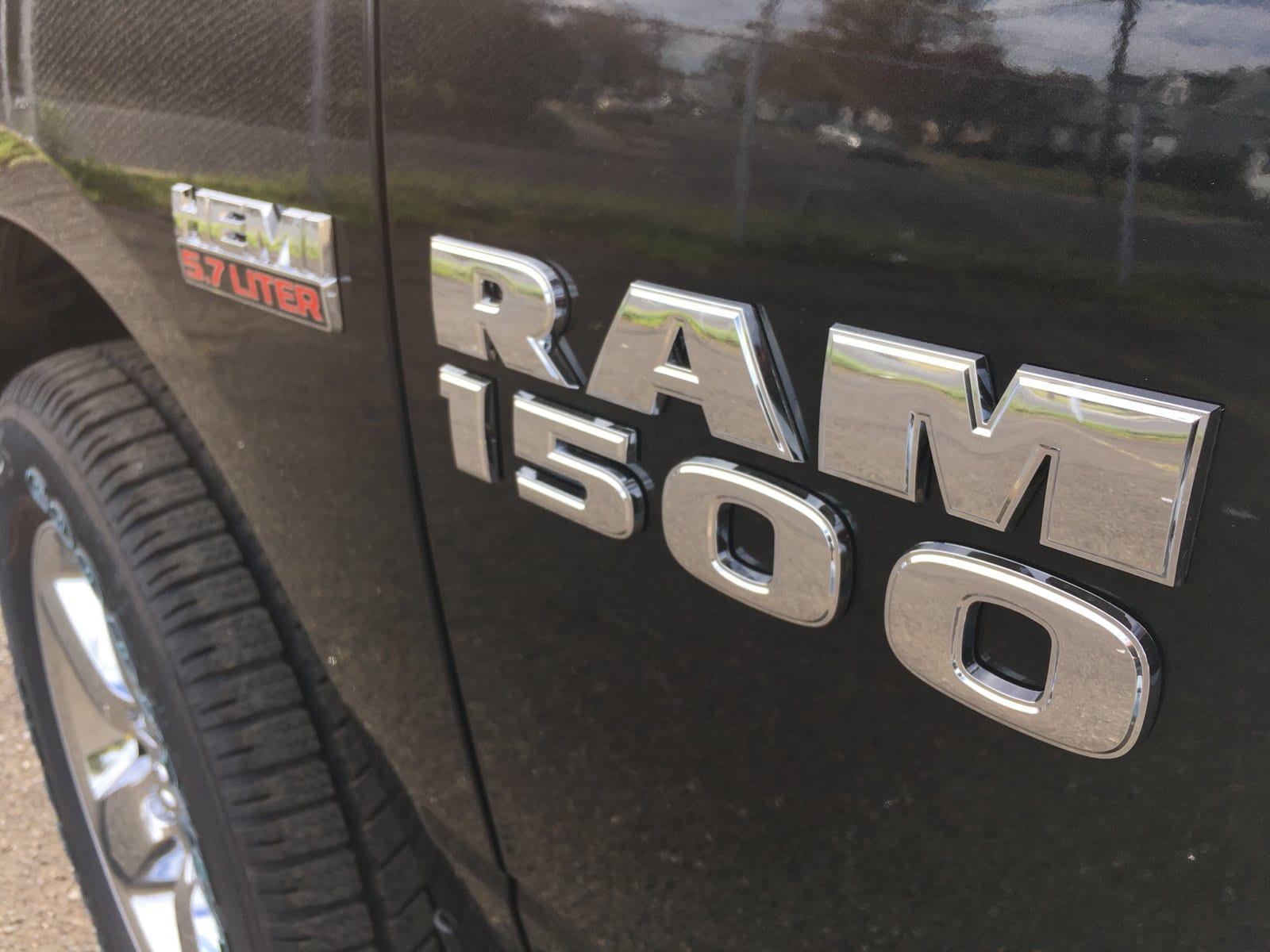 2018 Ram 1500 Quad Cab 4x4, Pickup #1843000 - photo 3
