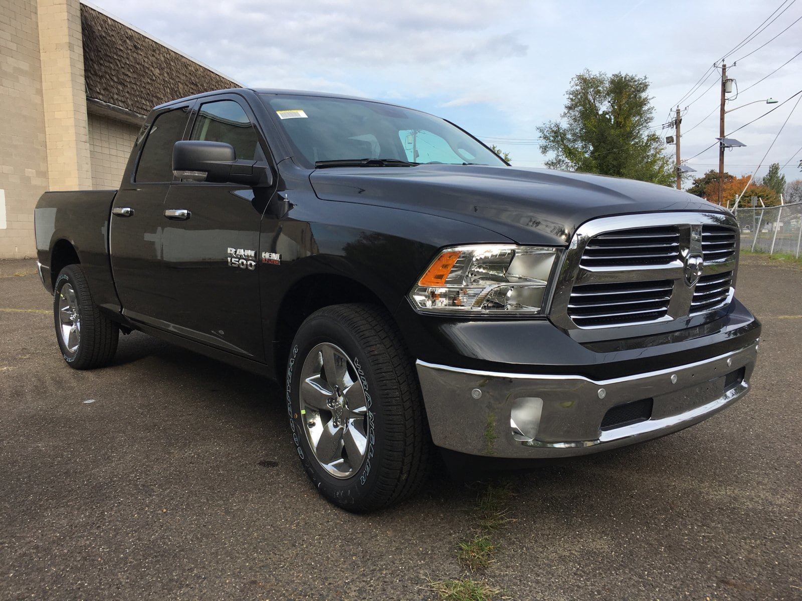 2018 Ram 1500 Quad Cab 4x4, Pickup #1843002 - photo 4