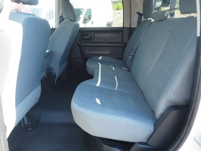 2017 Ram 3500 Crew Cab DRW 4x4, Platform Body #25792 - photo 19