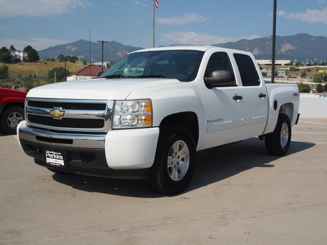 2010 Chevrolet Silverado 1500 Crew Cab 4x4, Pickup #550111A - photo 4