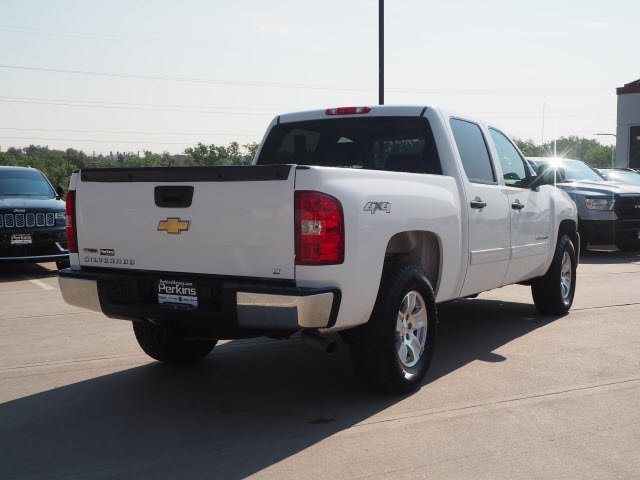 2010 Chevrolet Silverado 1500 Crew Cab 4x4, Pickup #550111A - photo 2