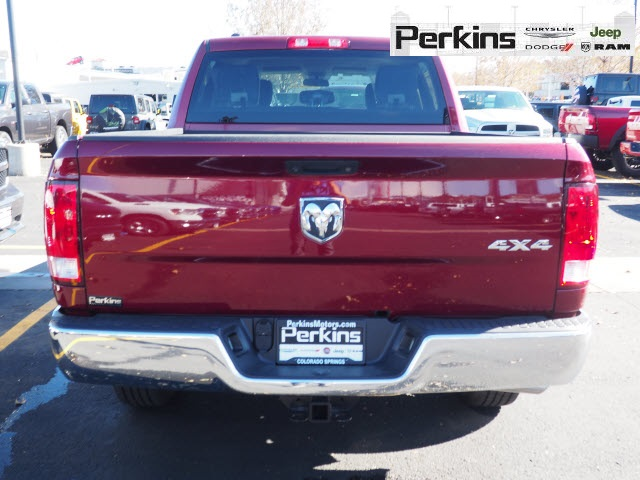2018 Ram 1500 Crew Cab 4x4,  Pickup #558592 - photo 5