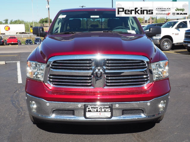 2019 Ram 1500 Crew Cab 4x4,  Pickup #559553 - photo 4