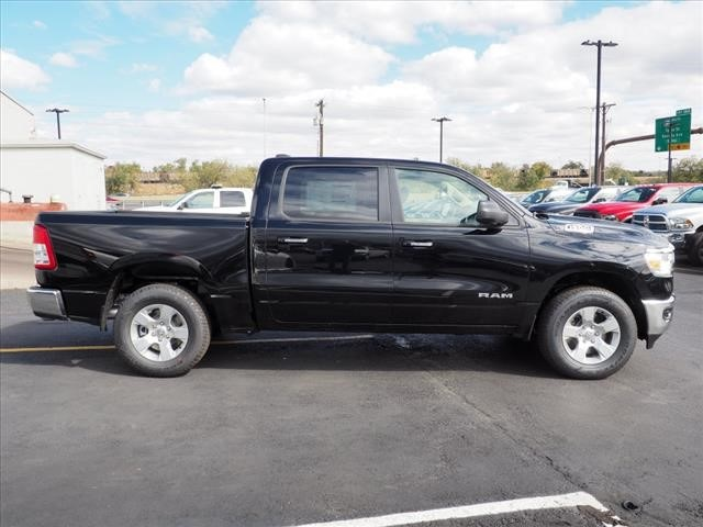 2019 Ram 1500 Crew Cab 4x4,  Pickup #559572 - photo 4