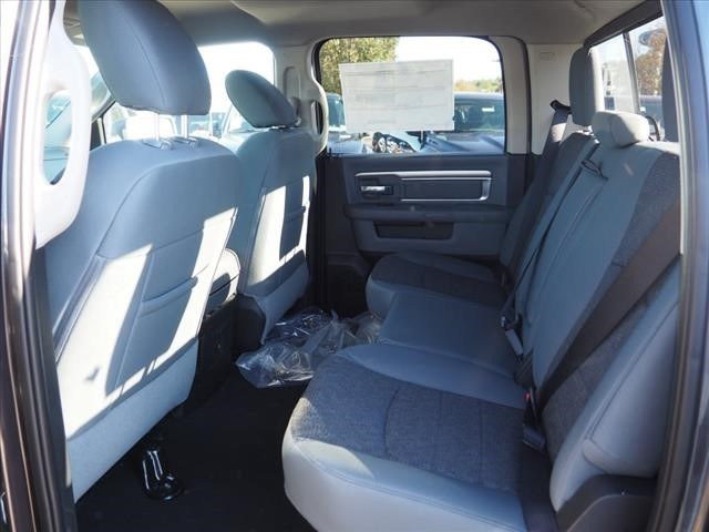 2019 Ram 1500 Crew Cab 4x4,  Pickup #559598 - photo 11