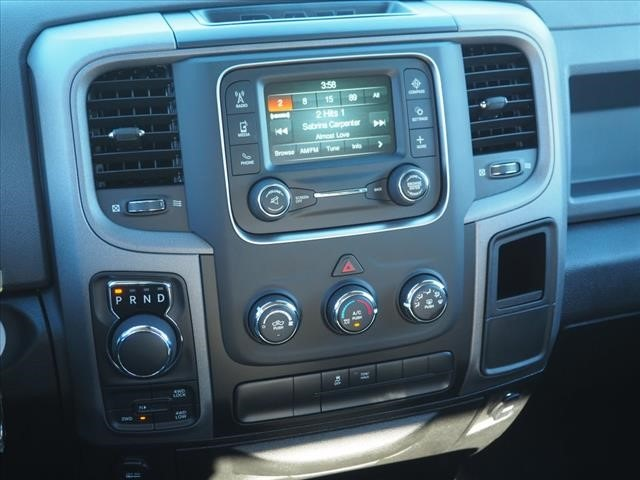 2019 Ram 1500 Crew Cab 4x4,  Pickup #559616 - photo 15
