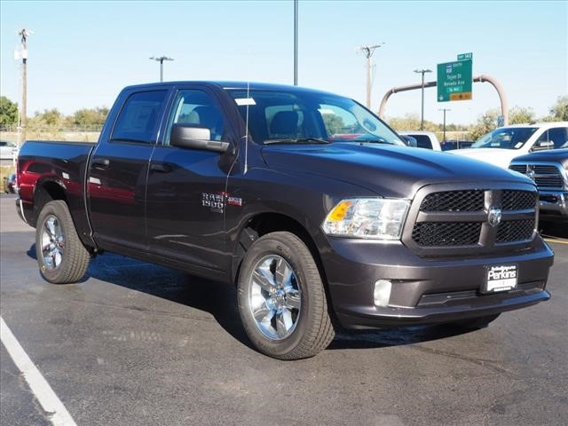 2019 Ram 1500 Crew Cab 4x4,  Pickup #559616 - photo 3