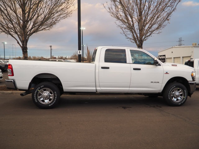 2020 Ram 2500 Crew Cab 4x4, Pickup #570108 - photo 4