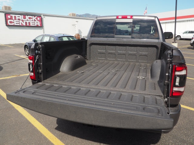 2020 Ram 2500 Crew Cab 4x4, Pickup #570118 - photo 14