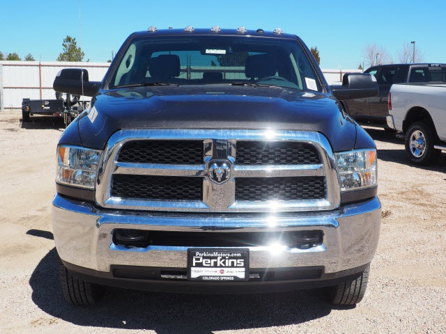 2018 Ram 3500 Crew Cab DRW 4x4,  Pickup #598156 - photo 3