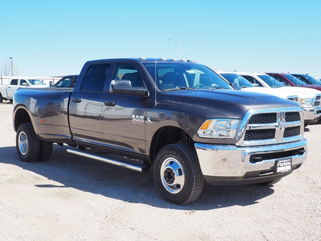 2018 Ram 3500 Crew Cab DRW 4x4,  Pickup #598156 - photo 4