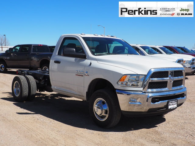 2018 Ram 3500 Regular Cab DRW 4x4,  Cab Chassis #598906 - photo 4