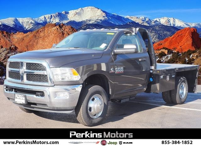 2018 Ram 3500 Regular Cab DRW 4x4,  Cab Chassis #598908 - photo 3