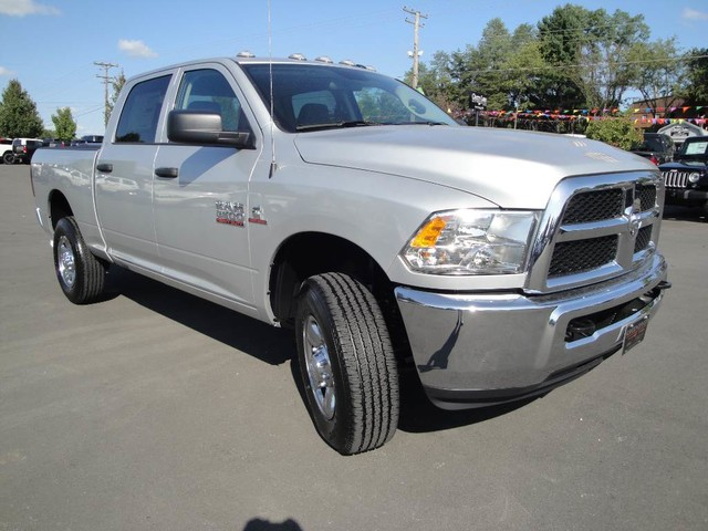 2017 Ram 2500 Crew Cab 4x4, Pickup #DT77131 - photo 25