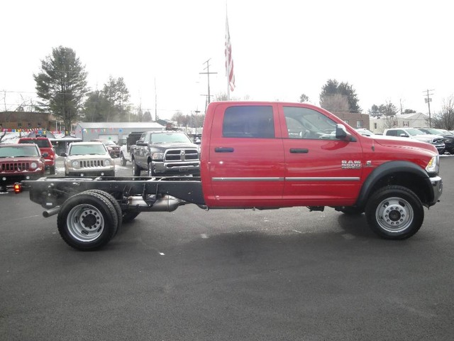 2017 Ram 5500 Crew Cab DRW 4x4 Cab Chassis #N76522 - photo 25