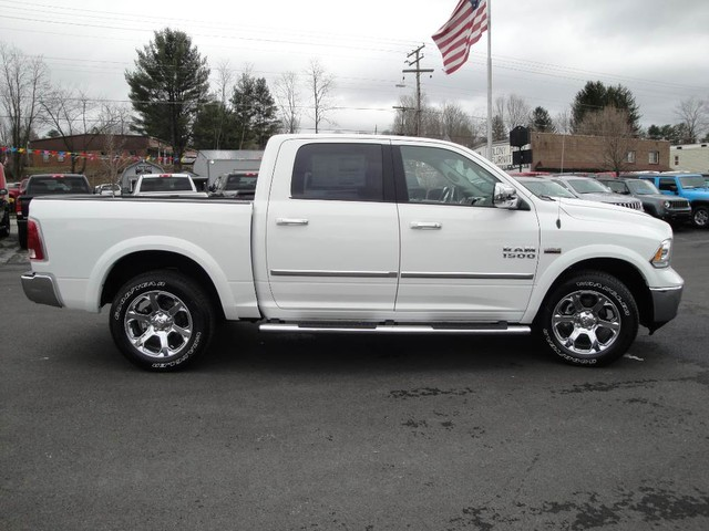 2017 Ram 1500 Crew Cab 4x4 Pickup #N76767 - photo 27