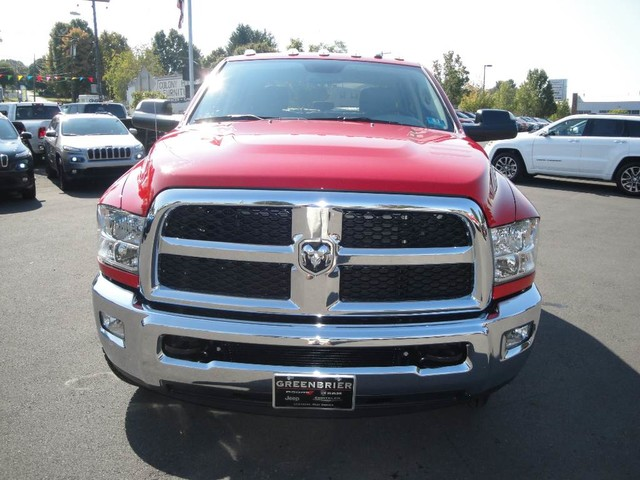 2018 Ram 3500 Crew Cab DRW 4x4 Cab Chassis #N77104 - photo 3