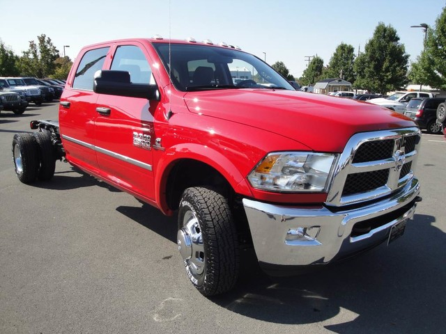 2018 Ram 3500 Crew Cab DRW 4x4 Cab Chassis #N77104 - photo 23