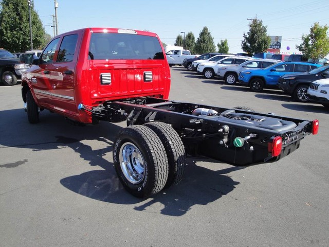 2018 Ram 3500 Crew Cab DRW 4x4 Cab Chassis #N77104 - photo 2