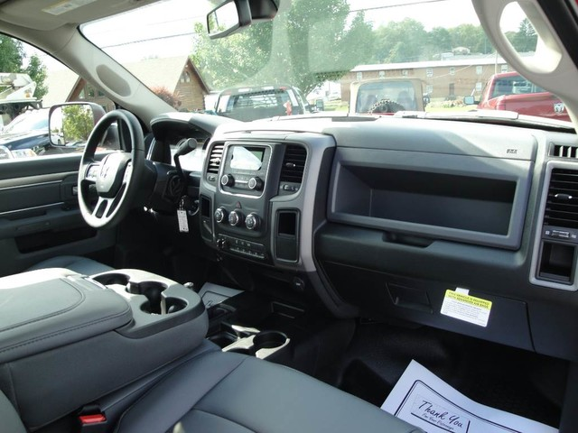 2018 Ram 3500 Regular Cab DRW 4x4, Cab Chassis #N77110 - photo 23