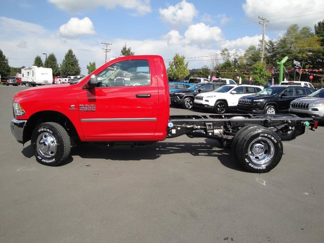 2018 Ram 3500 Regular Cab DRW 4x4, Cab Chassis #N77110 - photo 4