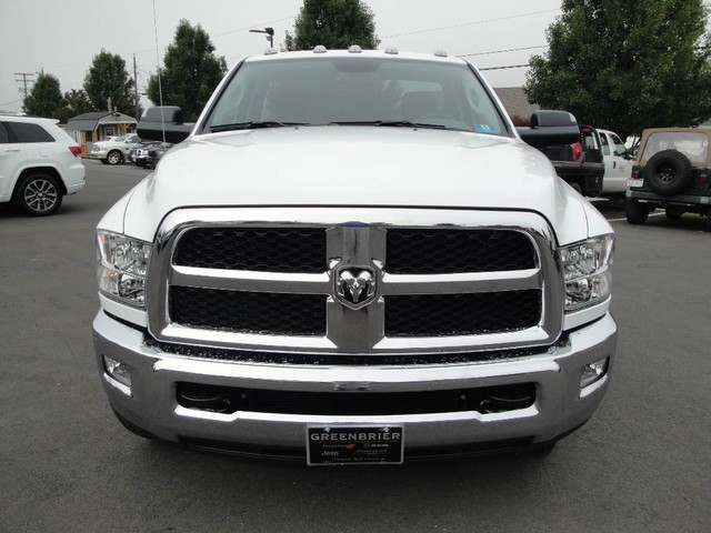 2018 Ram 3500 Regular Cab DRW 4x4, Cab Chassis #N77115 - photo 3