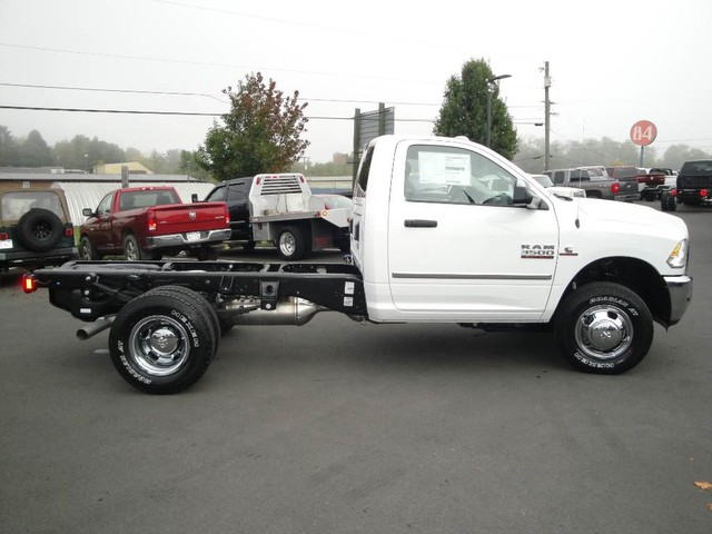 2018 Ram 3500 Regular Cab DRW 4x4, Cab Chassis #N77115 - photo 21