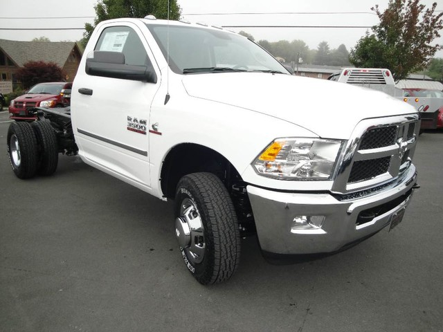 2018 Ram 3500 Regular Cab DRW 4x4, Cab Chassis #N77115 - photo 22