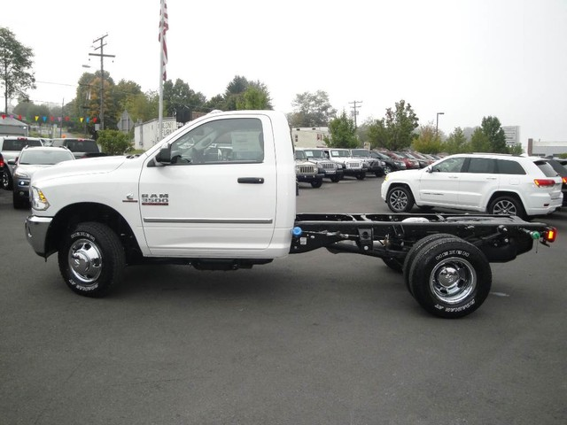 2018 Ram 3500 Regular Cab DRW 4x4, Cab Chassis #N77115 - photo 4