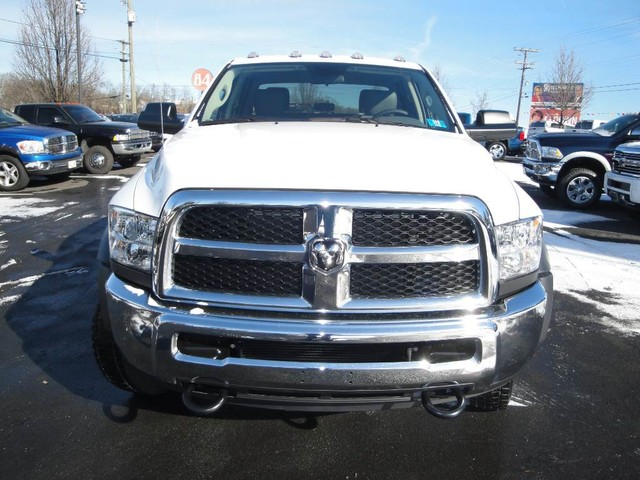 2018 Ram 5500 Crew Cab DRW 4x4 Cab Chassis #N77295 - photo 3
