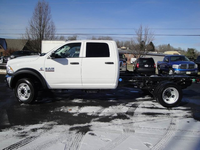2018 Ram 5500 Crew Cab DRW 4x4 Cab Chassis #N77295 - photo 4