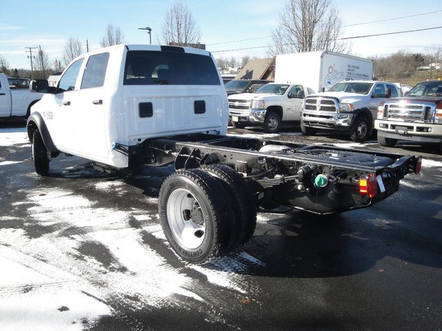 2018 Ram 5500 Crew Cab DRW 4x4 Cab Chassis #N77295 - photo 2