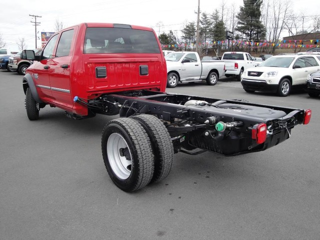 2018 Ram 5500 Crew Cab DRW 4x4 Cab Chassis #N77312 - photo 2