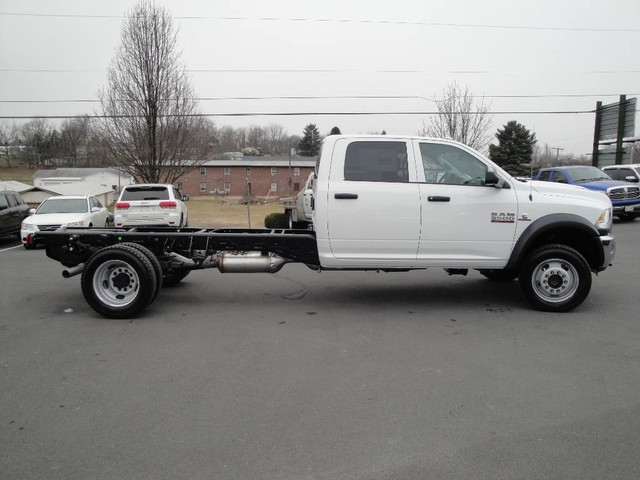 2018 Ram 5500 Crew Cab DRW 4x4 Cab Chassis #N77339 - photo 18