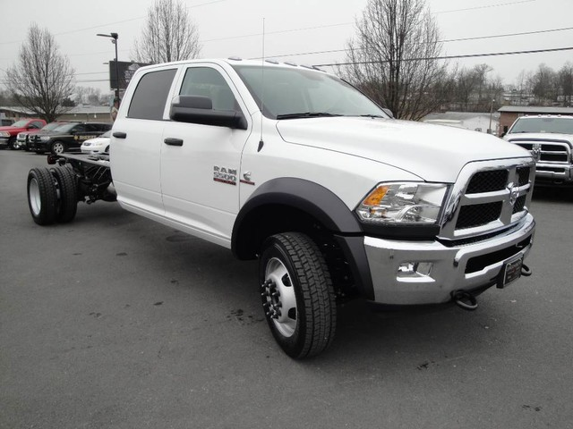 2018 Ram 5500 Crew Cab DRW 4x4 Cab Chassis #N77339 - photo 19