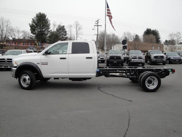 2018 Ram 5500 Crew Cab DRW 4x4 Cab Chassis #N77339 - photo 3