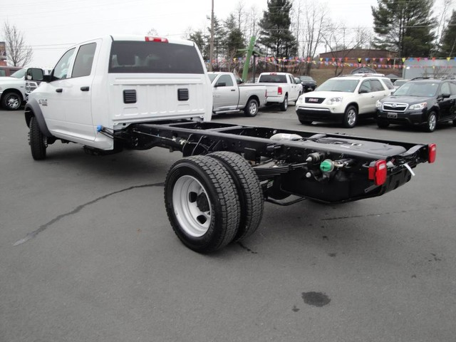 2018 Ram 5500 Crew Cab DRW 4x4 Cab Chassis #N77339 - photo 4