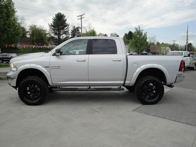 2018 Ram 1500 Crew Cab 4x4, Pickup #N77816 - photo 4