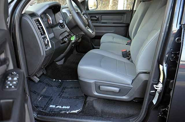 2017 Ram 1500 Crew Cab 4x4 Pickup #H168 - photo 8