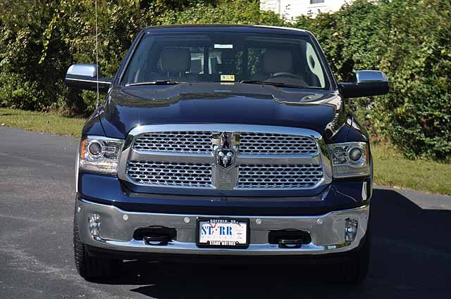 2018 Ram 1500 Crew Cab 4x4 Pickup #J030 - photo 6