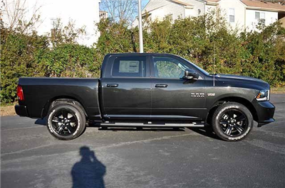2018 Ram 1500 Crew Cab 4x4, Pickup #J084 - photo 3