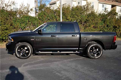 2018 Ram 1500 Crew Cab 4x4, Pickup #J084 - photo 4