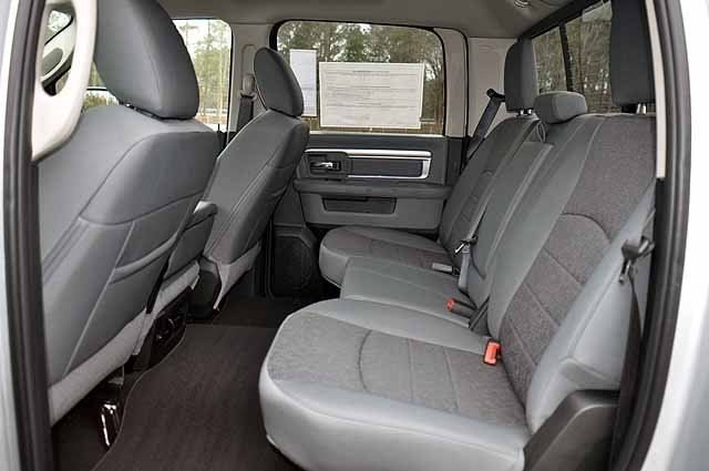 2018 Ram 1500 Crew Cab 4x4, Pickup #J201 - photo 9