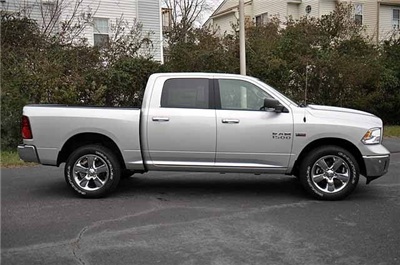 2018 Ram 1500 Crew Cab 4x4, Pickup #J201 - photo 3