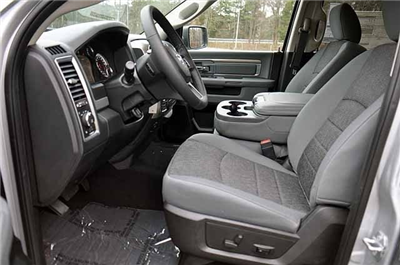 2018 Ram 1500 Crew Cab 4x4, Pickup #J201 - photo 8
