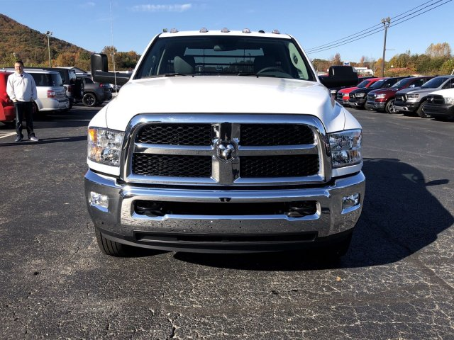 2018 Ram 3500 Regular Cab DRW 4x4,  Platform Body #R3961 - photo 4