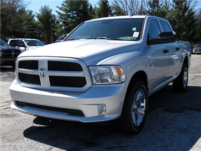 2017 Ram 1500 Crew Cab 4x4, Pickup #R17157 - photo 3