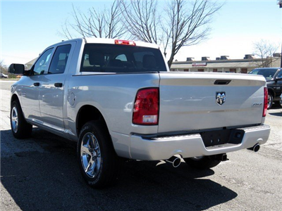 2017 Ram 1500 Crew Cab 4x4, Pickup #R17157 - photo 4