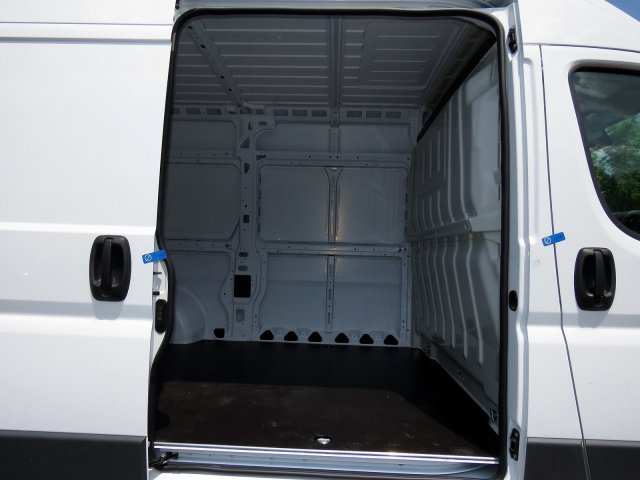 2018 ProMaster 2500 High Roof FWD,  Empty Cargo Van #R18217 - photo 7