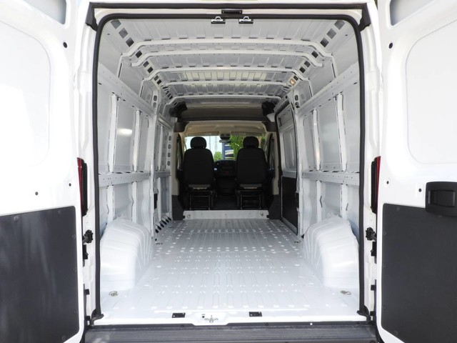 2018 ProMaster 2500 High Roof FWD,  Empty Cargo Van #JE144070 - photo 2